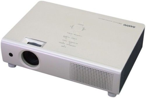 Sanyo Plc Xu111 Xga Ultraportable Multimedia Lcd Projector